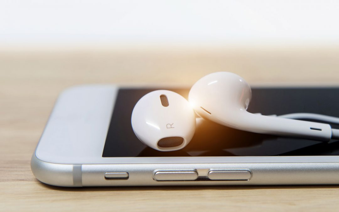 What Do Apple and Samsung Say About Headphone & Earbud Shock Or Electrocution?
